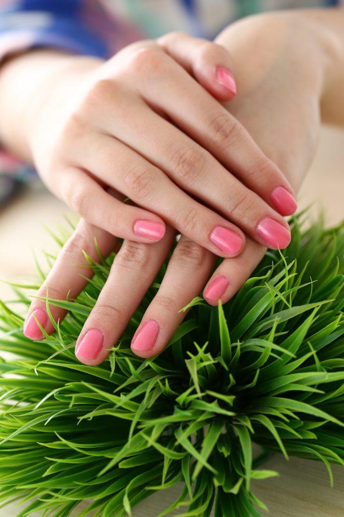manicure pół-hybrydowy gabinet metamorfoza tomaszów