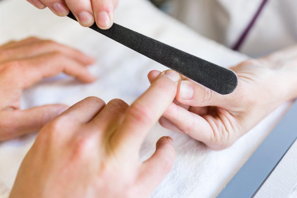 opracowanie paznokci i skórek metamorfoza tomaszów
