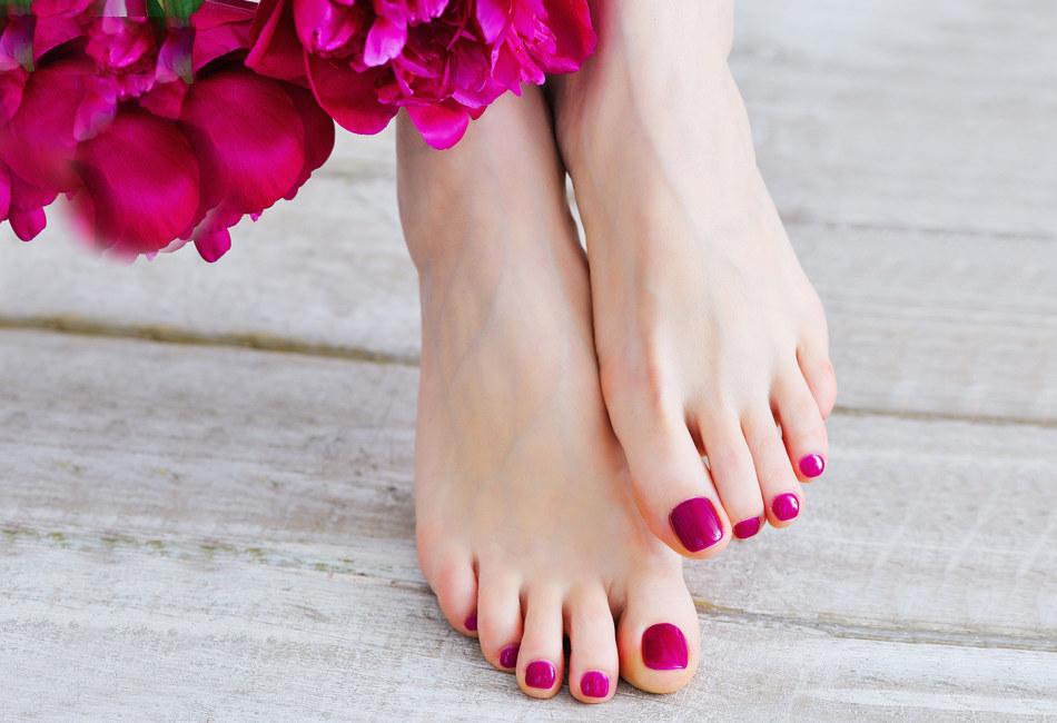 stylizacja hybrydowa paznokci stóp gabinet metamorfoza tomaszów