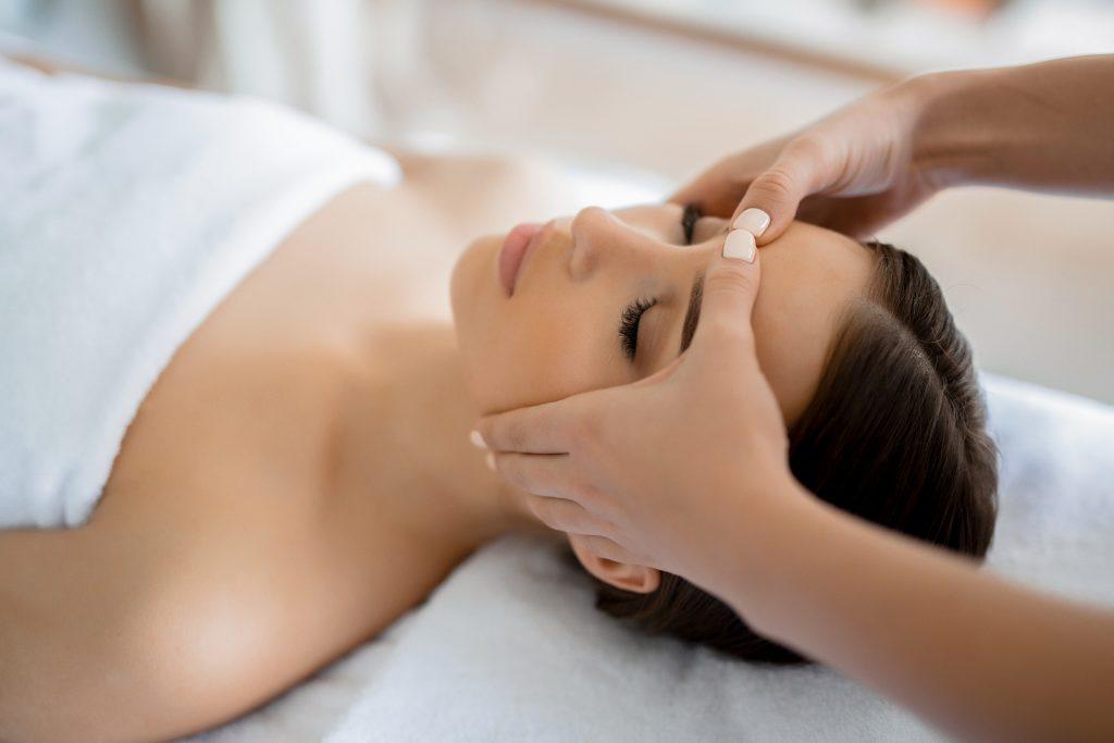 azjatycki masaż twarzy metamorfoza tomaszów
